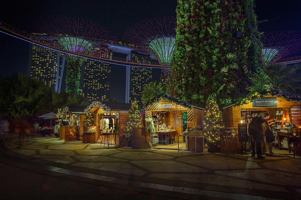 Weave your way around the Supertree Grove, where a charming European-style festive market will be held in 24 specially designed wooden huts.