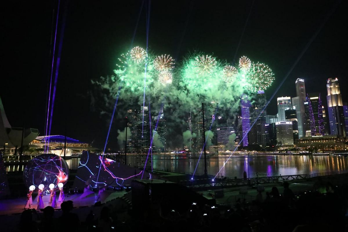 The Star Island Singapore Countdown Edition display is a one-of-a-kind fireworks musical extravaganza and is part of the Marina Bay Singapore Countdown.