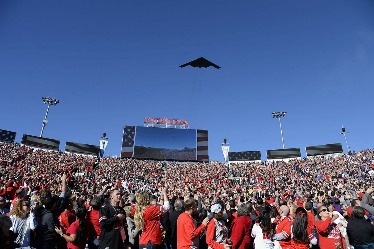 A US Air Force B-2 Stealth Bomber flies over the stadium ahead of the Rose Bowl Game presented by Northwestern Mutual at the Rose Bowl on January 1, 2019 in Pasadena, California. PHOTO: GETTY IMAGES/AFP