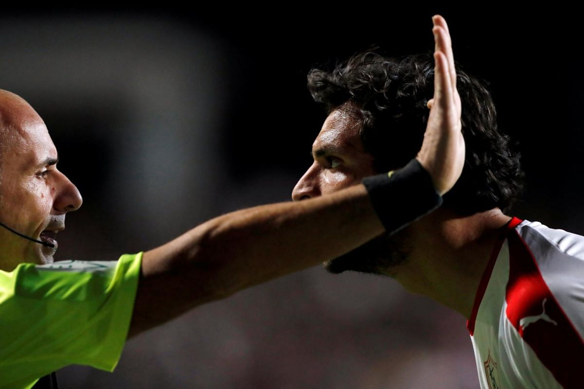 Zamalek's Mahmoud Alaa remonstrates with a match official during an Egyptian Premier League game against Pyramids FC on Jan 24, 2019.