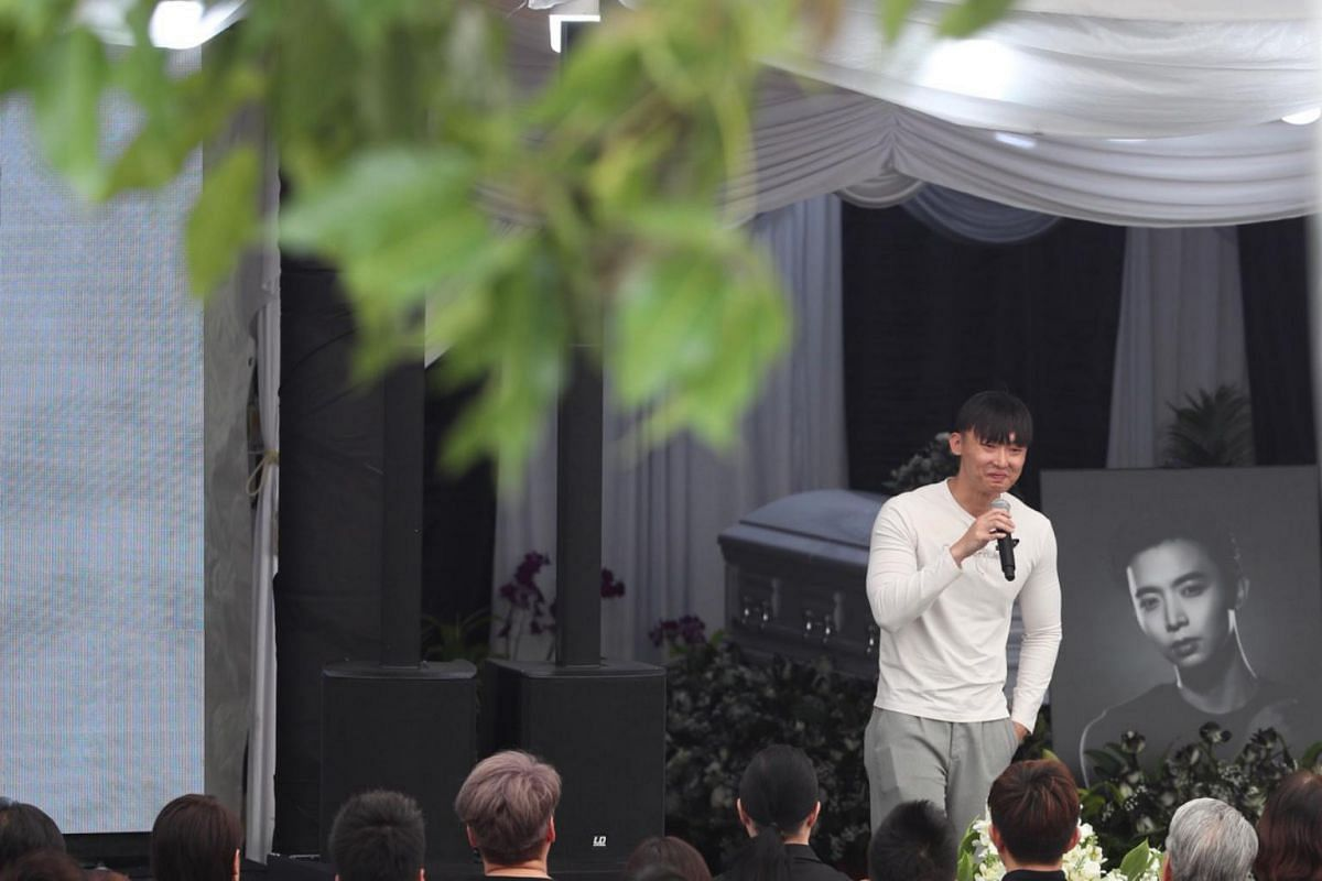 Mr Jefferson Pang, the eldest brother of actor Aloysius Pang, giving his eulogy at the wake on Jan 27, 2019.