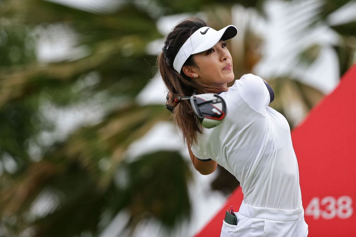 Tour rookie He Muni getting into the swing of things on the 12th hole during the first round of the HSBC Women's World Championship in Singapore on February 28, 2019. PHOTO: THE STRAITS TIMES/KEVIN LIM