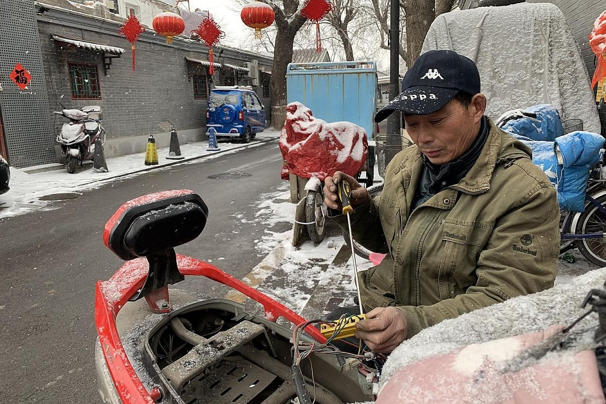 The government has been bricking up Beijing hutongs' illegal storefronts since 2017, affecting local businesses. Some residents have criticised the move, but others say it has restored peace and quiet.