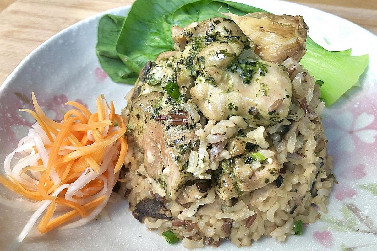 A large part of cooking this fuss-free one-pot meal of coriander chicken and mushroom brown rice is waiting for the rice to cook. The ingredients for the dish of coriander chicken and mushroom brown rice.