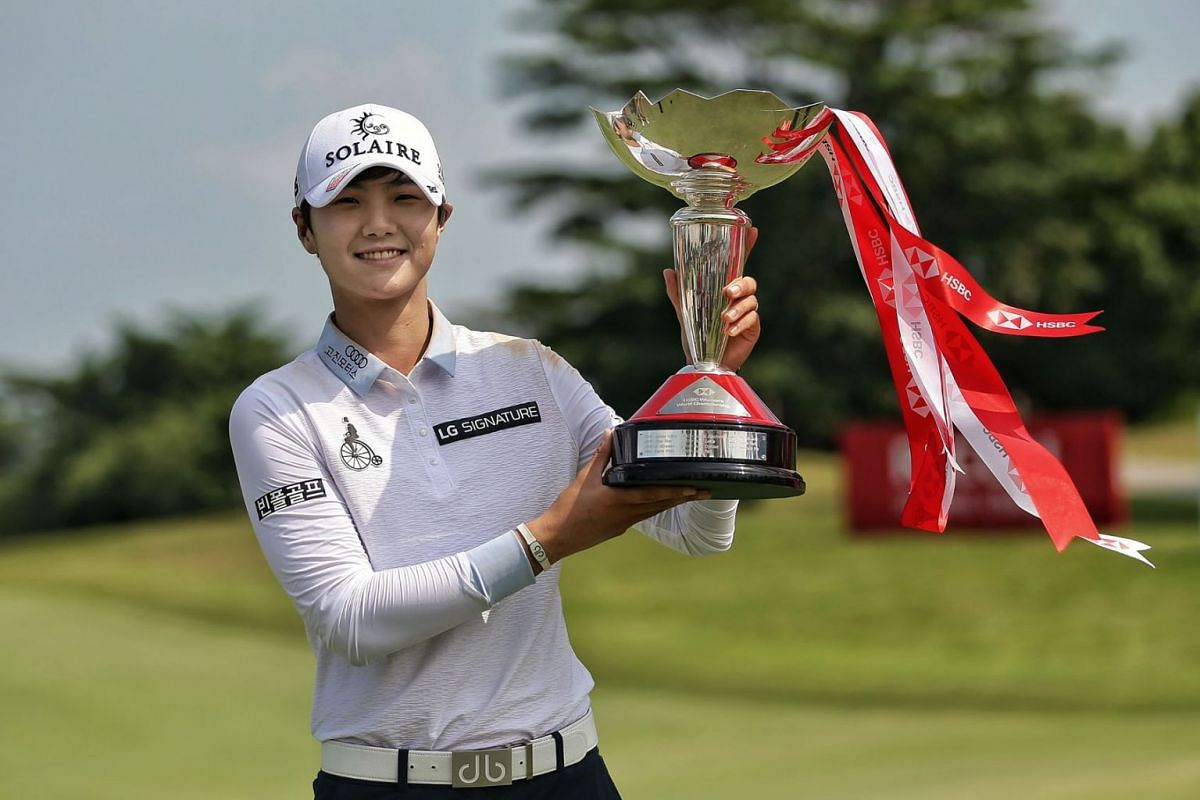 South Korean golfer Park Sung-hyun showing off her HSBC Women's World Championship trophy after firing an eight-under 64 in the final round at Sentosa Golf Club's New Tanjong Course in Singapore on March 3, 2019. PHOTO: THE STRAITS TIMES/KEVIN LI