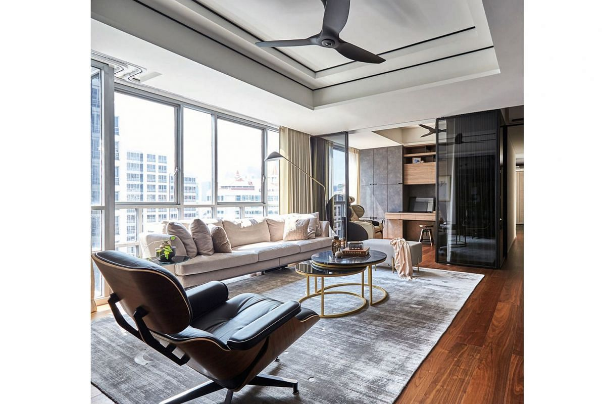 Floor-to-ceiling windows ensure the interior of the apartment is always filled with light, while tinted glass walls (above) provide privacy when needed.