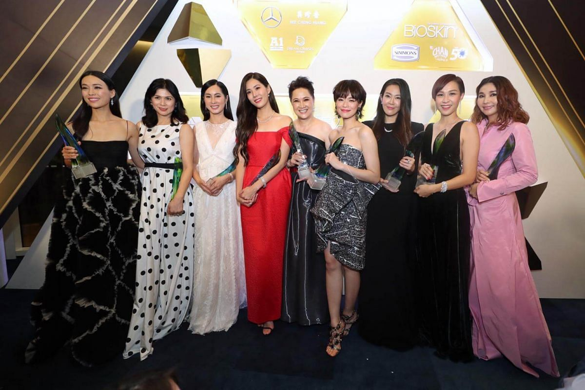 Some of the Top 10 Female Artiste winners pose for pictures after the show: (from left) Rebecca Lim, Pan Lingling, Paige Chua, Carrie Wong, Hong Huifang, Felicia Chin, Jesseca Liu, Ya Hui and Chen Xiuhuan.