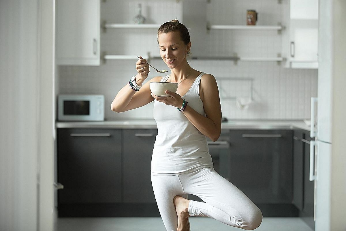 The choice to eat or omit a meal before an early workout could affect our relationship with food for the rest of the day.