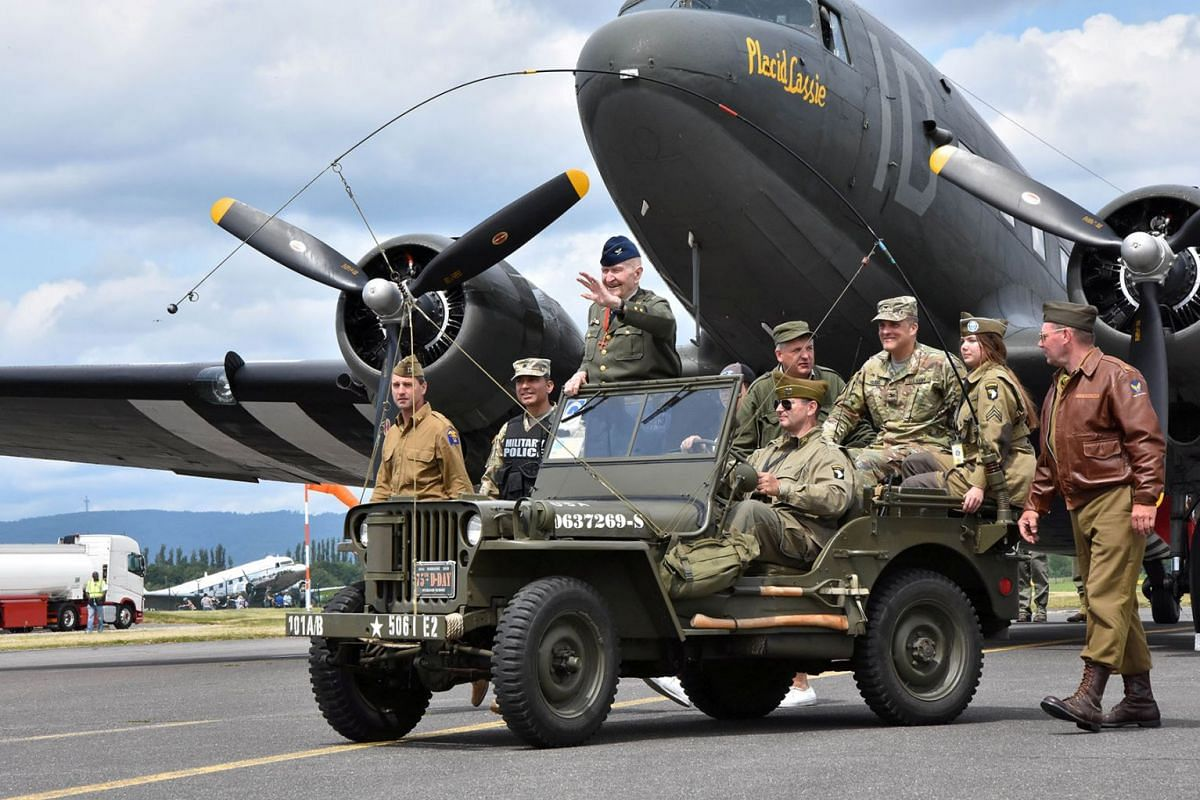 A photo issued on June 13, 2019 shows retired Air Force Col. Gail Halvorsen arriving at an event commemorating the 70th anniversary of the Berlin Airlift in Wiesbaden, Germany, June 10, 2019. PHOTO: U.S. ARMY GARRISON WIESBADEN VIA REUTERS