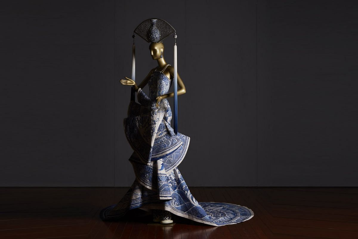 Part of Guo's One Thousand And Two Nights Collection (2010), this sculptural masterpiece.