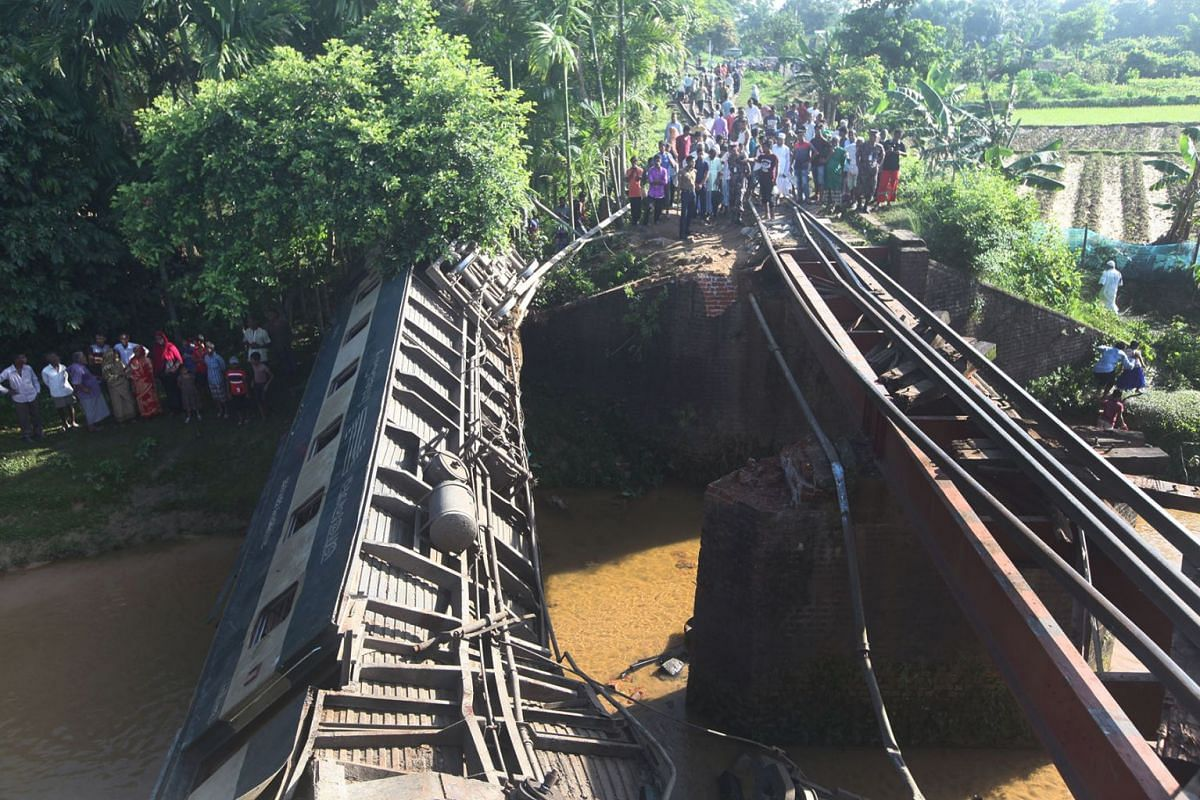 A train derailed and killed at least five people in the Kulaura outskirt of Moulvibazar, Bangladesh, June 24, 2019. PHOTO: REUTERS