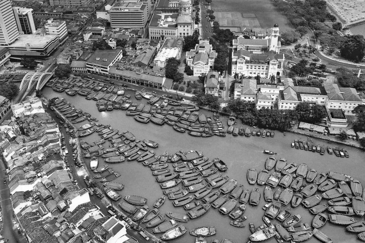 Aerial view of Singapore River from OCBC Centre, 1976.