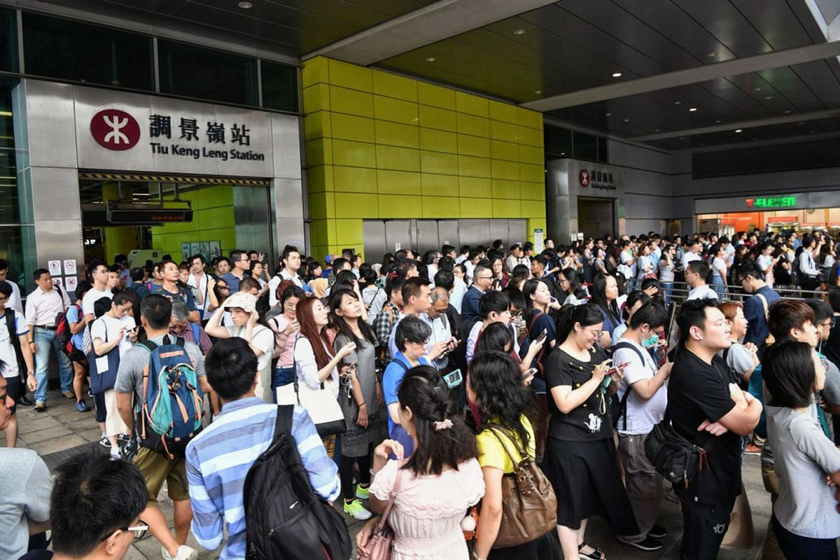 Long queues for shuttle buses outside Hong Kong's Tiu Keng Leng Station, July 30, 2019 as protesters disrupted train services during rush hour this morning. PHOTO: THE STRAITS TIMES/CHONG JUN LIANG