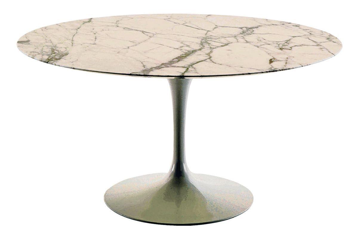 Saarinen Table by Knoll.
