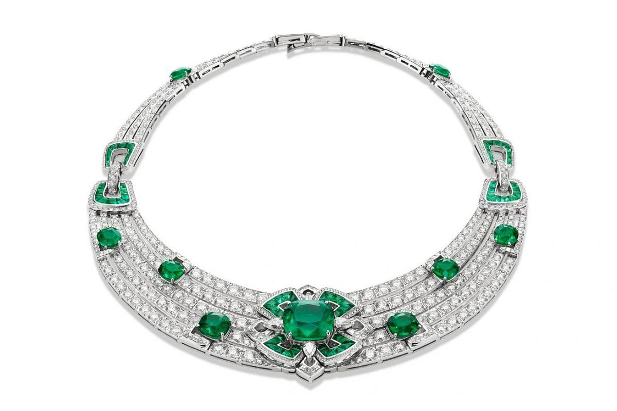 Bulgari's Forever Emeralds features nine antique cushion cut emeralds, 82 buff-top emeralds, four pear-cut diamonds and 96 step-cut diamonds.