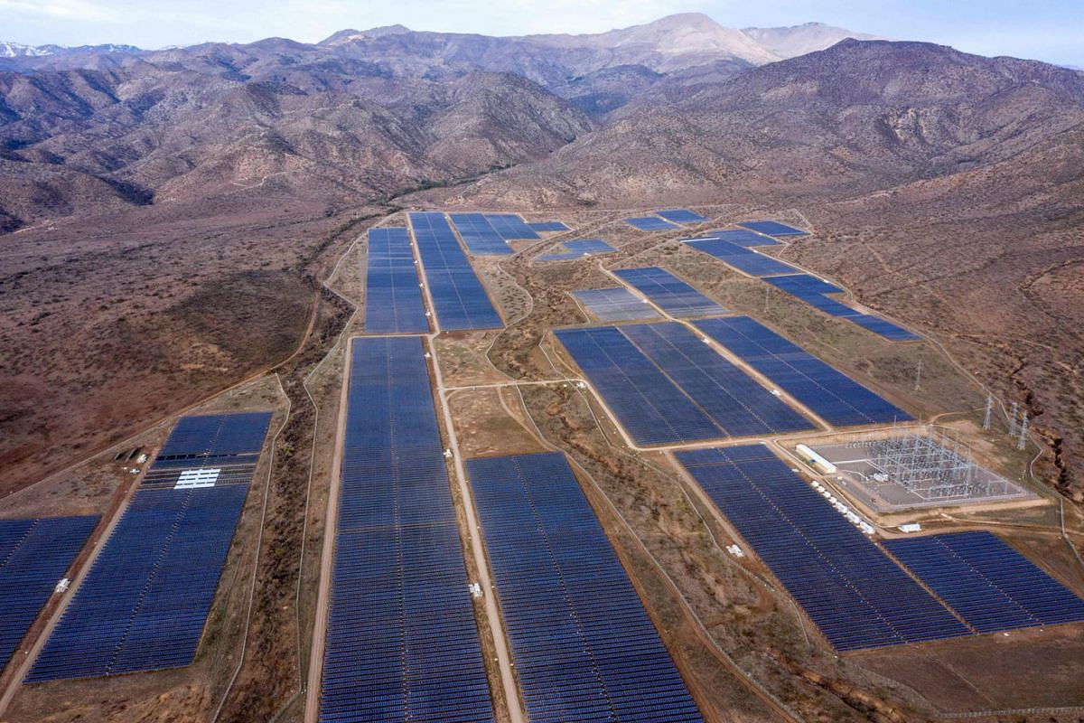 Aerial view of the Quilapilum photovoltaic plant in Colina, about 40 km north of Santiago, Chile on August 20, 2019. PHOTO: AFP