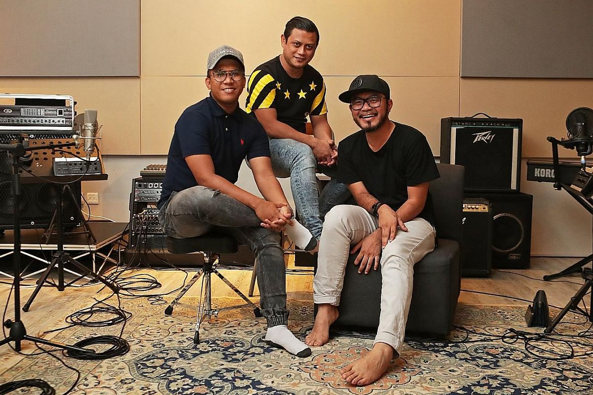 Good Hang (above) by Jon Cancio (left) and singer Nathan Hartono has been around since 2015. #NoTapis, which climbed to No. 3 on Spotify Podcast Charts, is produced by Berita Harian journalists (from left) Shahida Sarhid, Siti Aisyah Nordin and Nazri