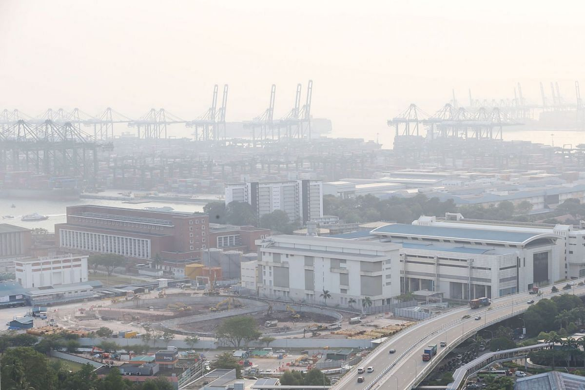 The hazy view of Pasir Panjang Terminal in southern Singapore at around 5.50pm on September 10, 2019. The National Environment Agency said hazy conditions are expected to continue over the next few days. PHOTO: THE STRAITS TIMES/JASON QUAH