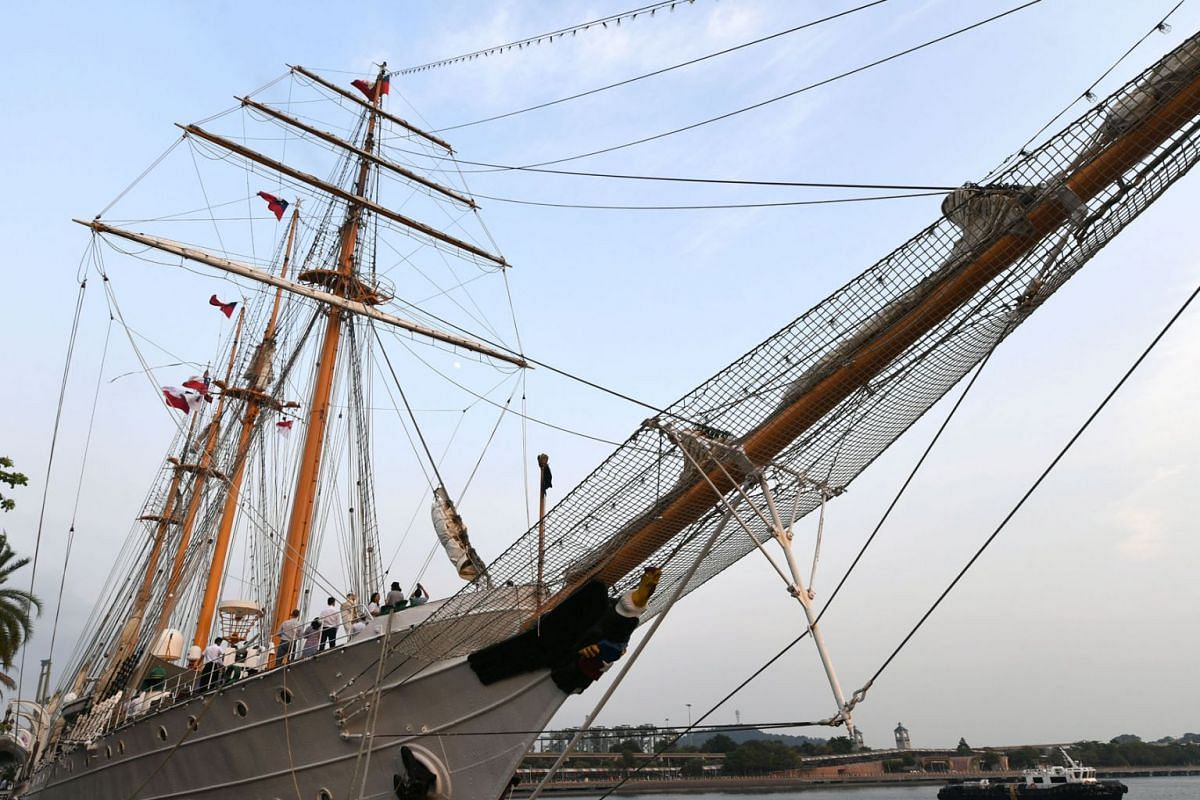The Esmeralda of the Chilean Navy, the third largest tall ship in the world, docks at VivoCity Promenade, September 10, 2019. PHOTO: THE STRAITS TIMES/DESMOND FOO