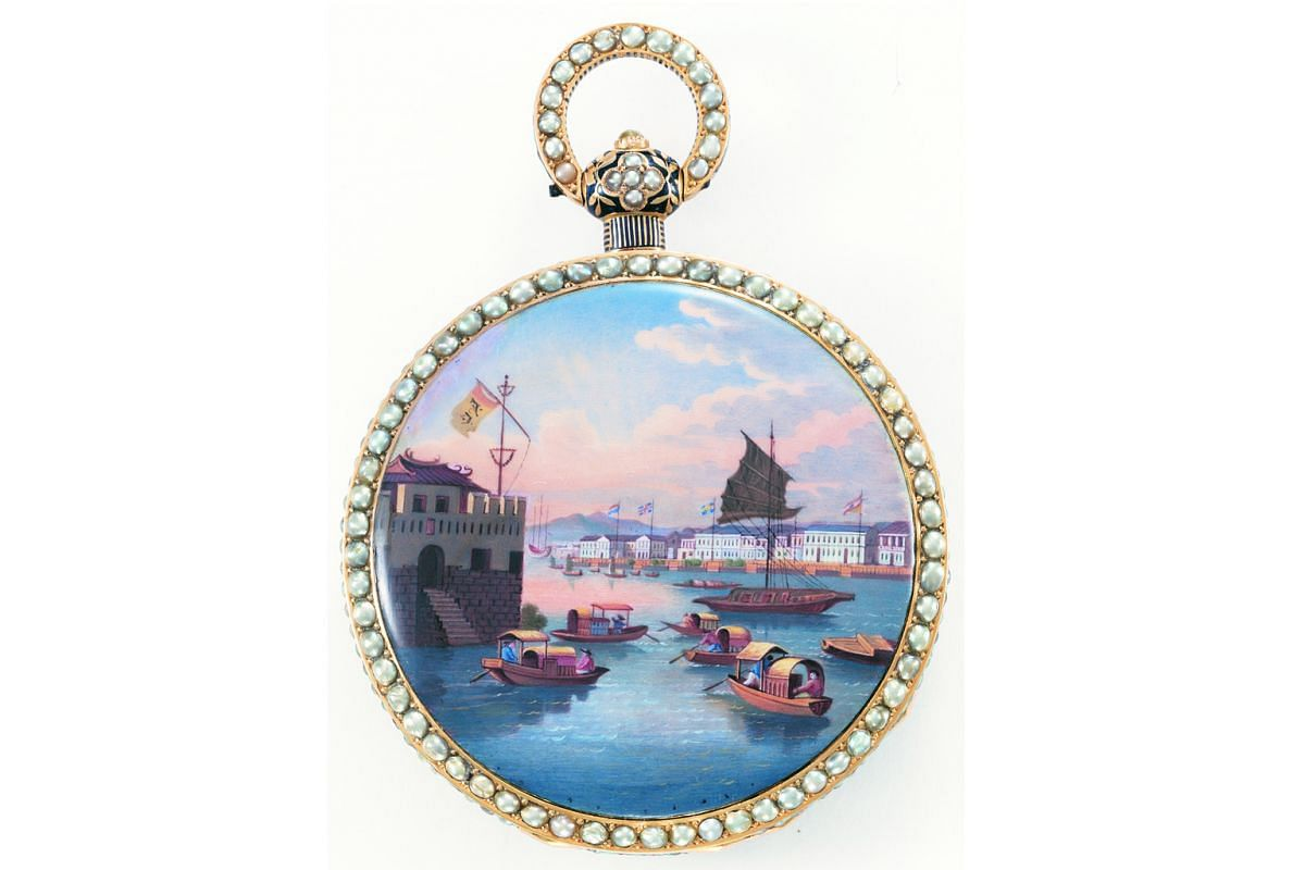 A rare pocket watch from around 1830 which depicts the port of Canton on enamel. It exemplifies the role of Singapore as a trade hub in the Far East.
