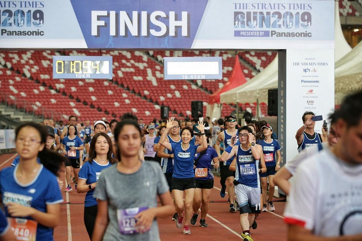 Minister for Culture, Community and Youth Grace Fu at the finish line of the ST Run 2019, on Sept 29, 2019.