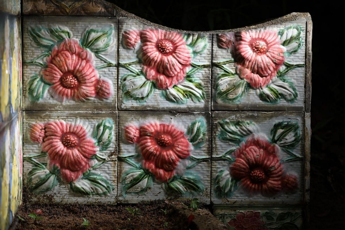 """Close-up of the tiles from """"Japanese Rojak"""" tomb."""