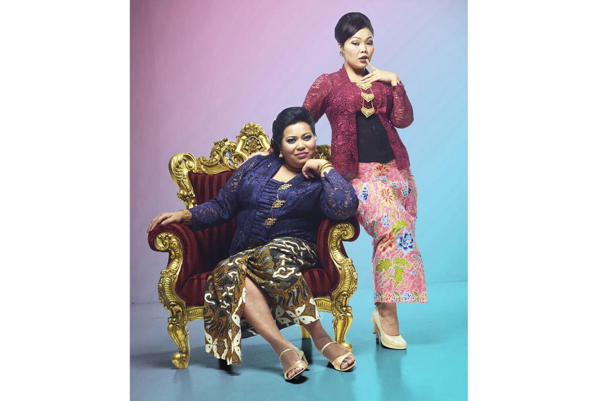 Actresses Aidli ''Alin'' Mosbit (left) and Siti Khalijah Zainal (right) in Kebaya Homies, a musical romp through Singaporean Malay history and culture.