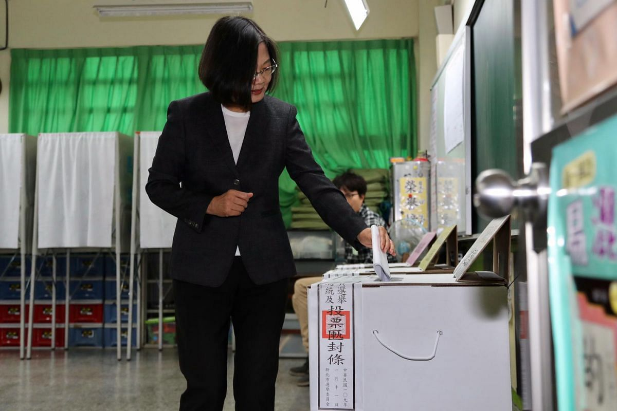 Taiwan President Tsai Ing-wen casts her ballot at a polling station in Taipei on Jan 11, 2020.