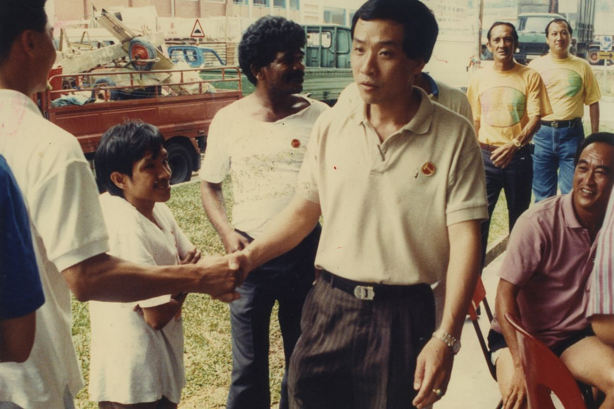Mr Low thanking Hougang residents after his victory in the 1991 General Election.