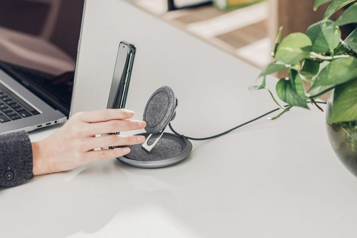 The Moshi Lounge Q looks good, offers different smartphone viewing angles and charges quite quickly.