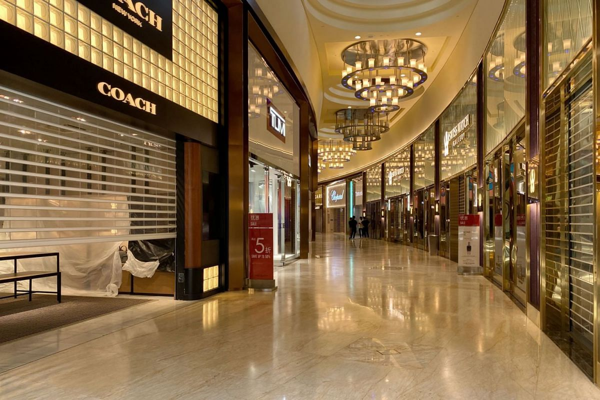 High-end boutiques in Resorts World Sentosa were closed on July 15, 2020 at around 1pm. The integrated resort carried out a mass retrenchment yesterday affecting staff from various departments. PHOTO: THE STRAITS TIMES/GAVIN FOO