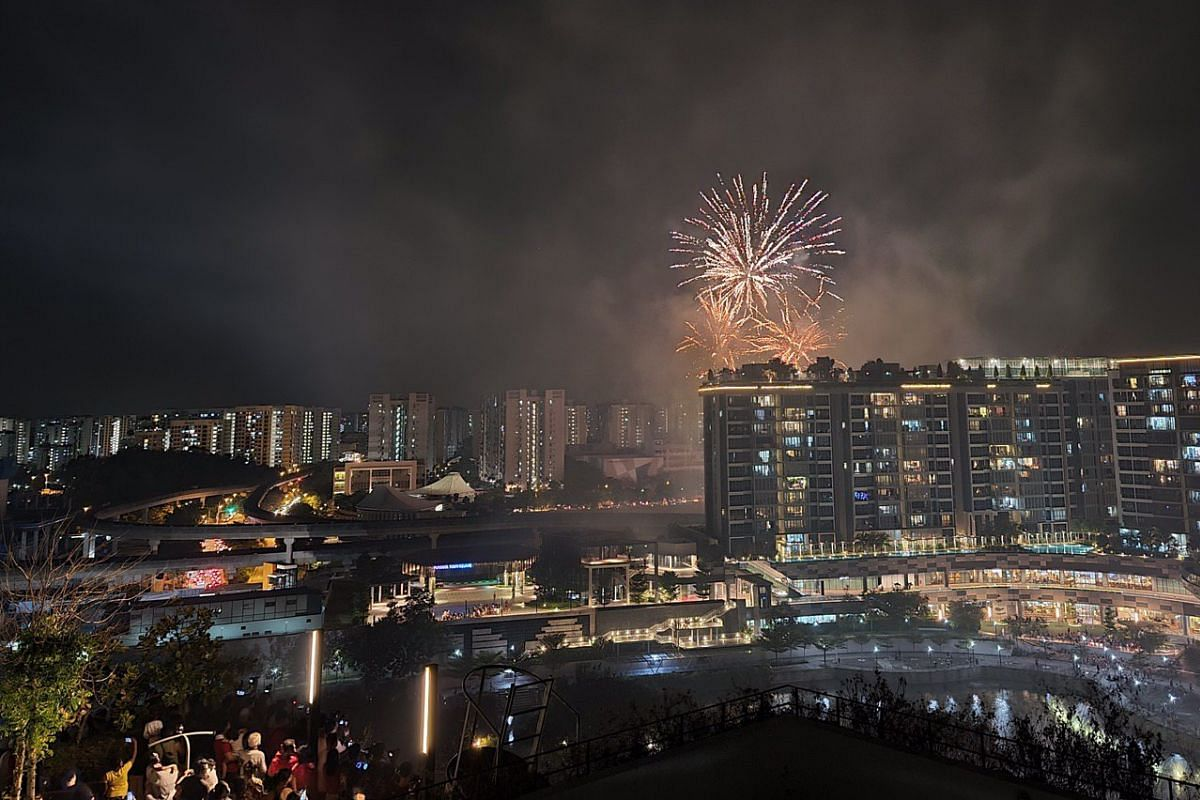 Fireworks display in Punggol. This photo was captured on the Samsung Galaxy Note20 Ultra 5G using Night mode.
