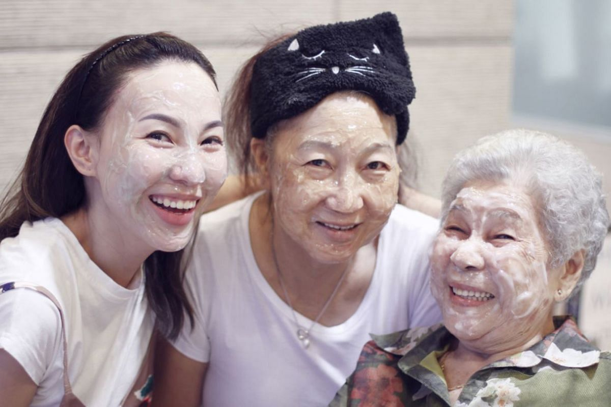 Ms Charlene Sim with her mother, Madam Sandee Lee, and Madam Lee's mother in 2018. Ms Sim and Madam Lee were skincare junkies who loved trying new beauty products.
