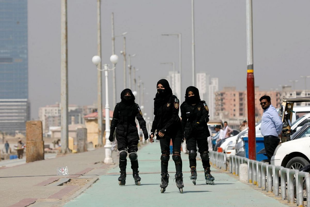 A photo issued on Feb 23, 2021, shows Special Security Unit (SSU) police members rollerblading during practice along the seafront in Karachi, Pakistan, Feb 19, 2021.