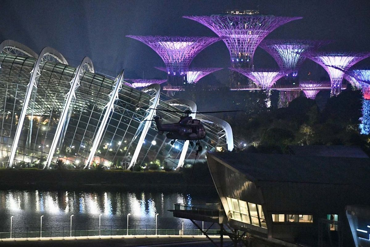 The Singapore Armed Forces (SAF) conducted a high-precision counter-terrorism drill in Marina Bay on Monday (Aug 2).  On Monday night, two Republic of Singapore Air Force Super Puma helicopters airlifted troops from the Special Operations Task Forc