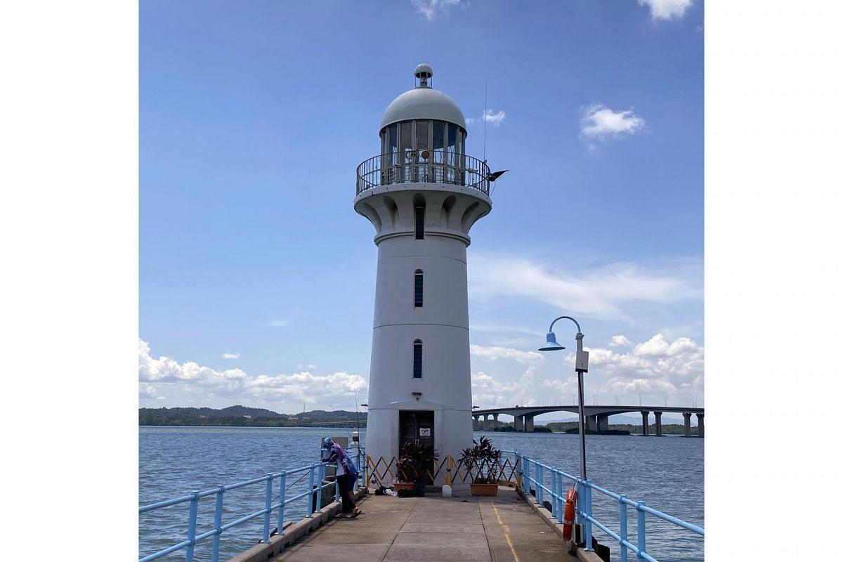 Raffles Marina Lighthouse.