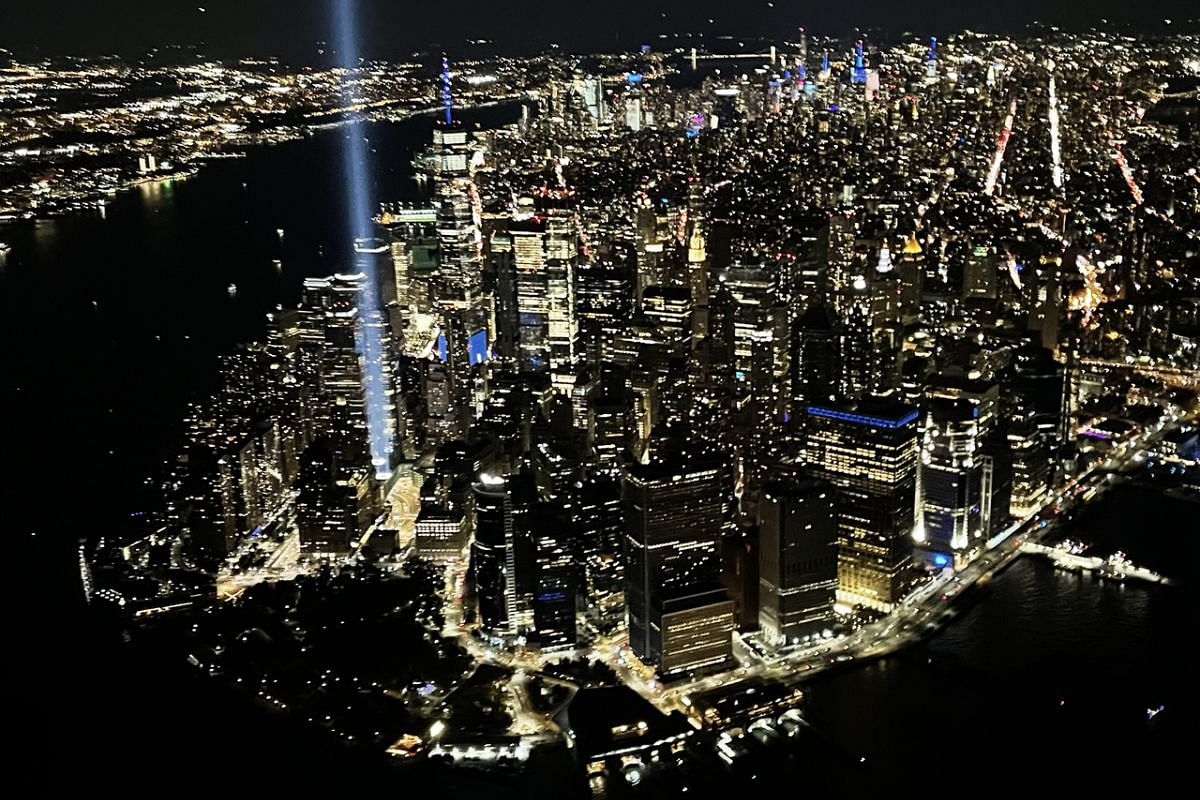 Every year, from dusk to dawn, only on 9/11, the Tribute in Light art installation beams two powerful light up to 6 km into the sky in New York City.