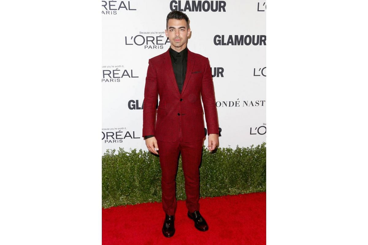 Musician Joe Jonas attends Glamour Women Of The Year 2016 at NeueHouse Hollywood on Nov 14, 2016 in Los Angeles, California.