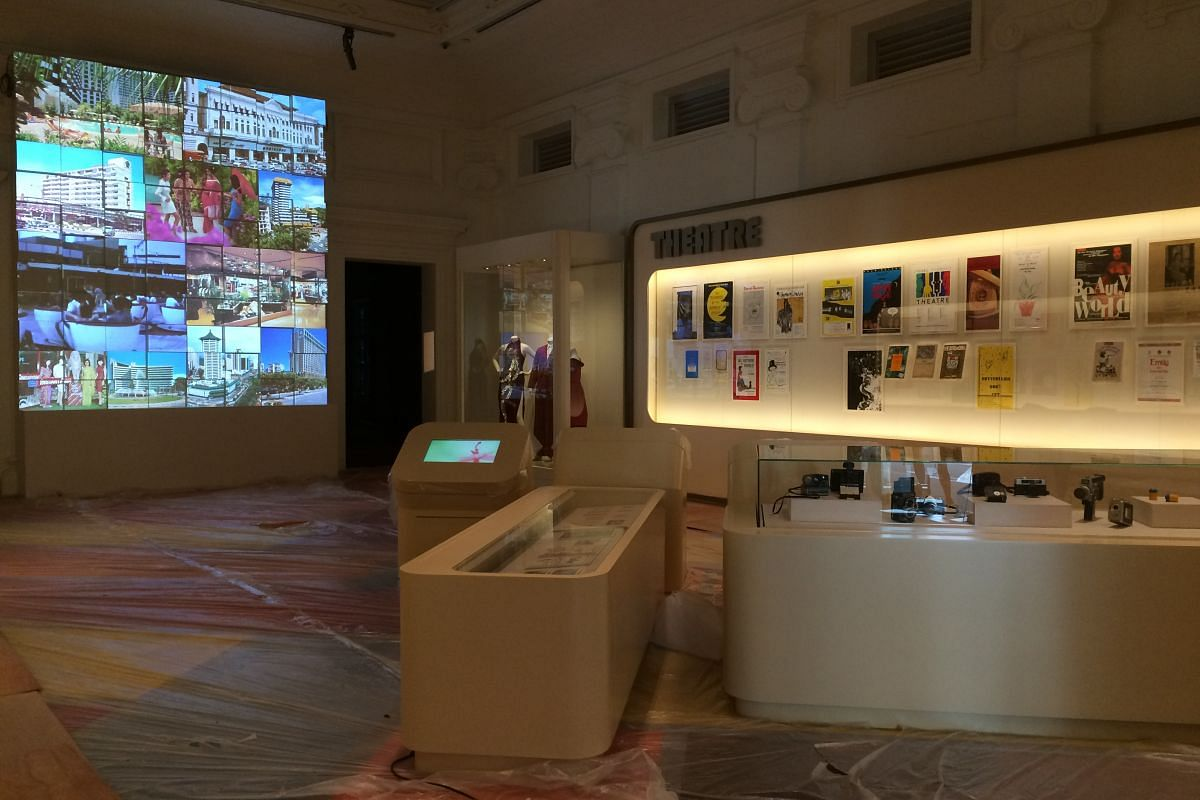 The Voices In Singapore gallery focuses on the arts and culture scene in Singapore from 1975 to 1985, the economic boom years of Singapore's history.