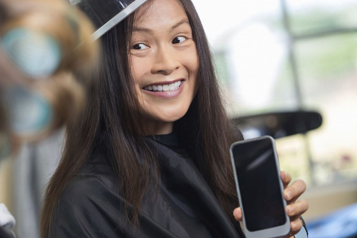 Beauty apps offer quick overviews and reviews of beauty services. Some allow customers to book an appointment instantly.