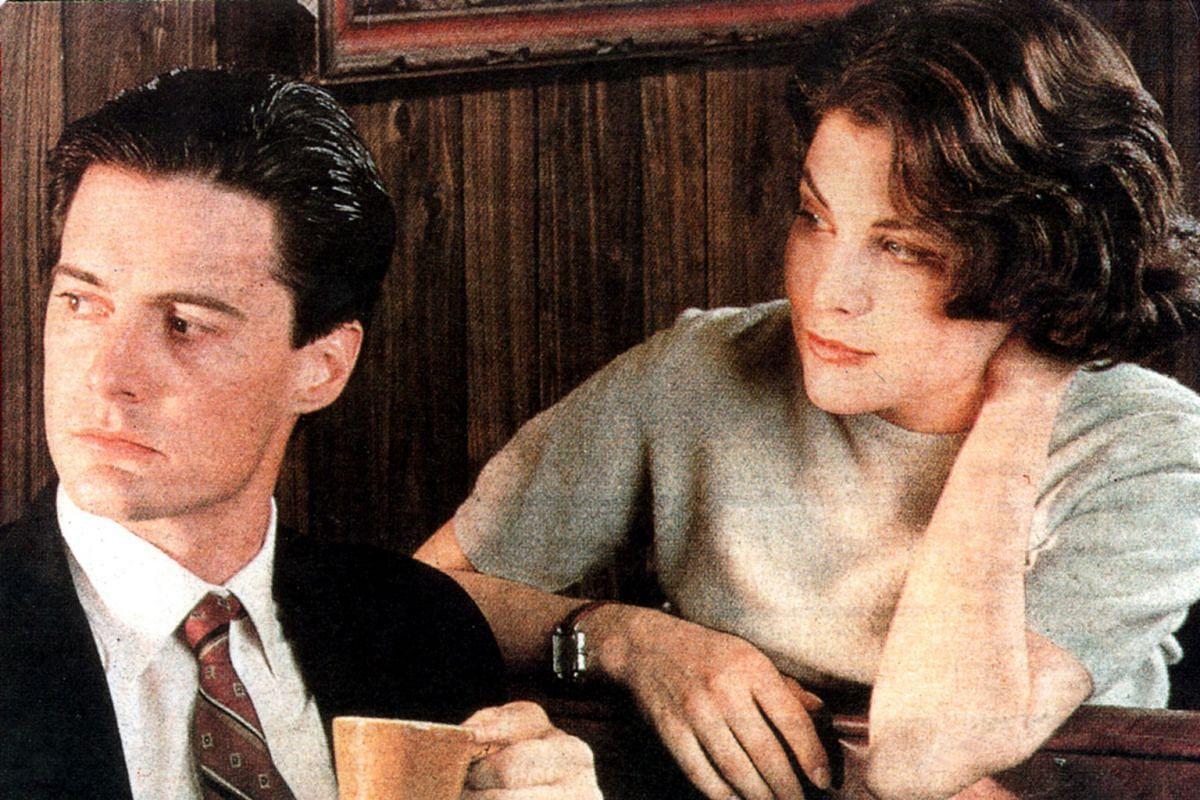 Kyle MacLachlan and Sherilyn Fenn in Twin Peaks.