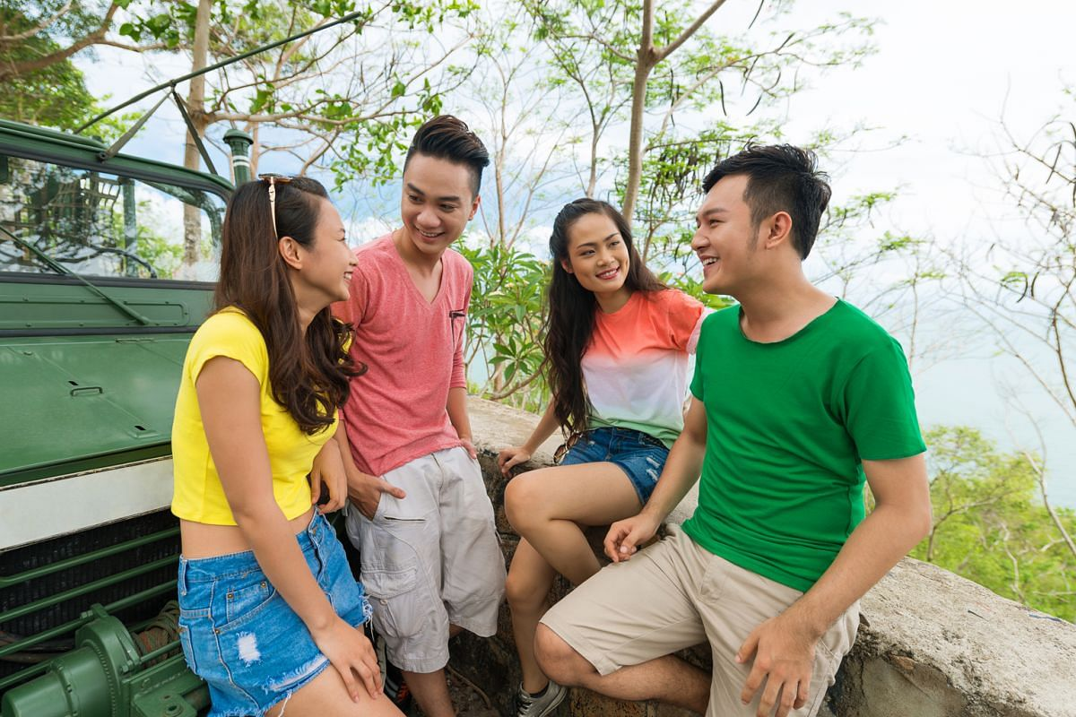 Being together with friends on holiday is fun, but taking breaks from one another's company can make your time together more enjoyable.