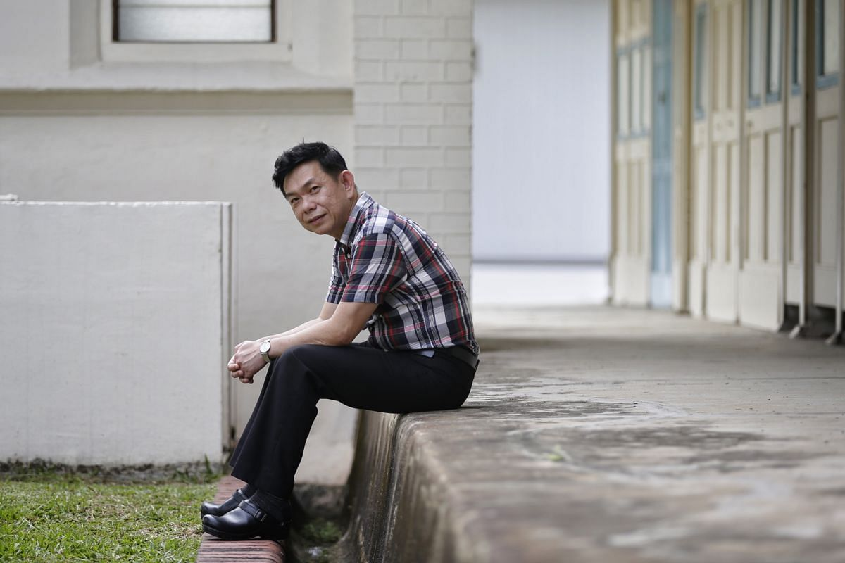 Dr Lee had his heart set on becoming a teacher and even signed up for a PSC teaching scholarship after his A levels. He changed his mind during his national service, when he was often ridiculed for being small and weak. That led him to decide to beco